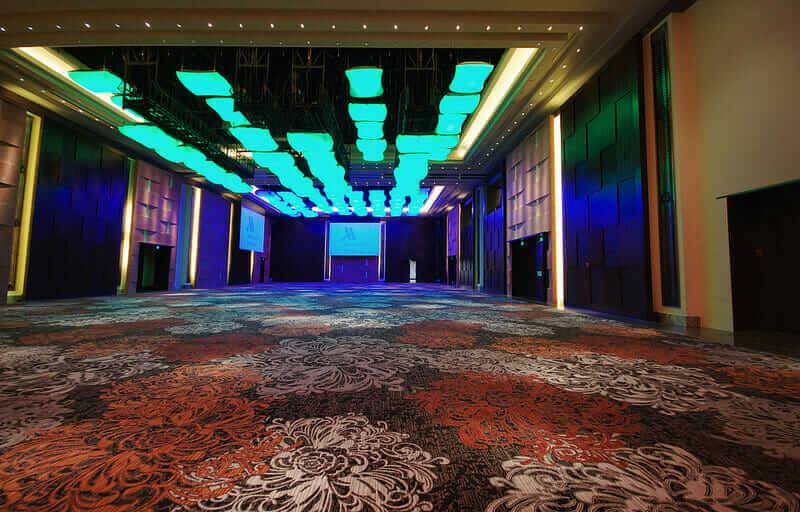 未来のホテル マリオット ボールルーム ピロー ライト