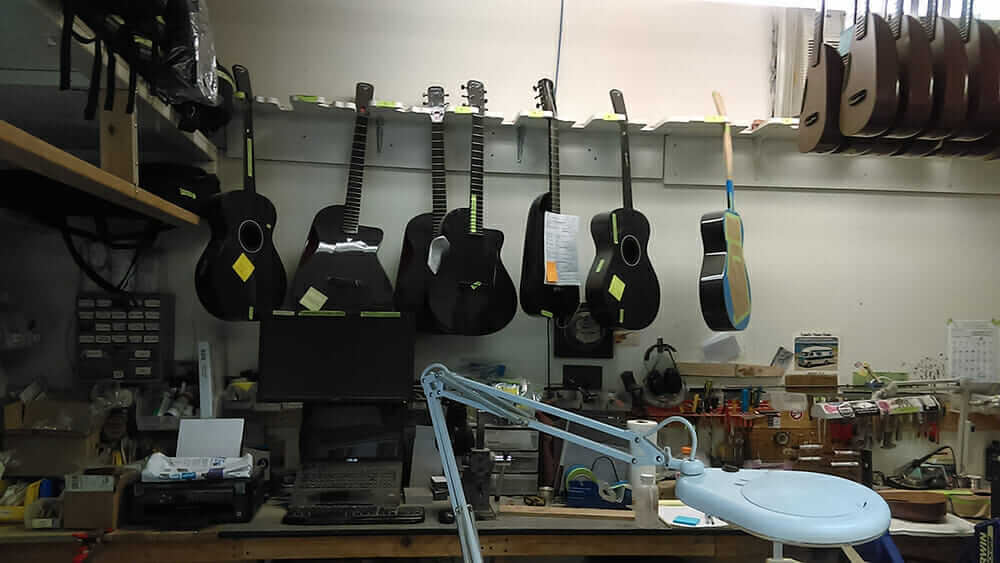 blackbird guitars workshop