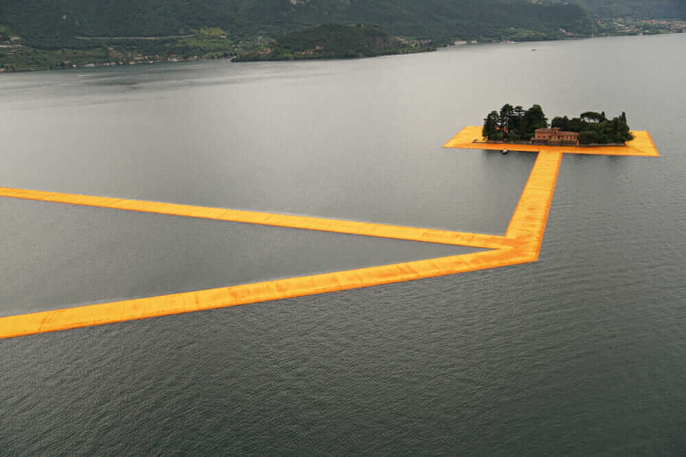 innovative construction materials Christo Jeanne-Claude floating piers