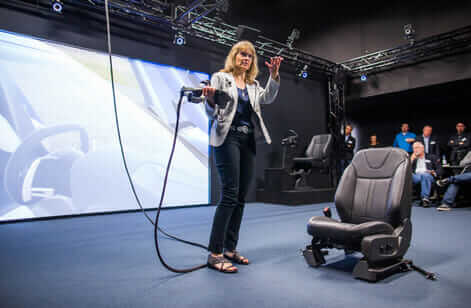 Elizabeth Baron of Ford demoing virtual reality technology