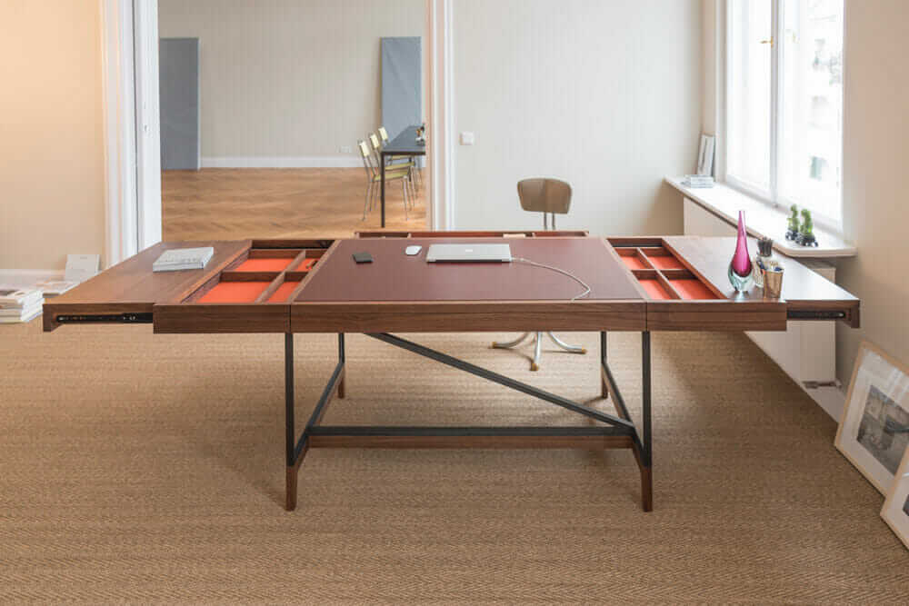 architects sell designs Bullenberg desk