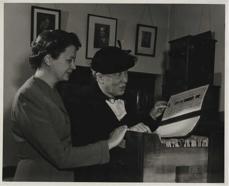 Purdue reference librarian Esther Schlundt (left) and Lillian Gilbreth in the Purdue Special Collections Library.