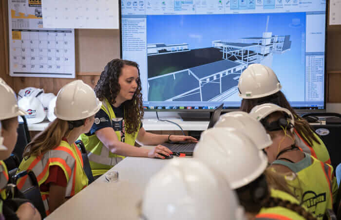 women in construction build like a girl