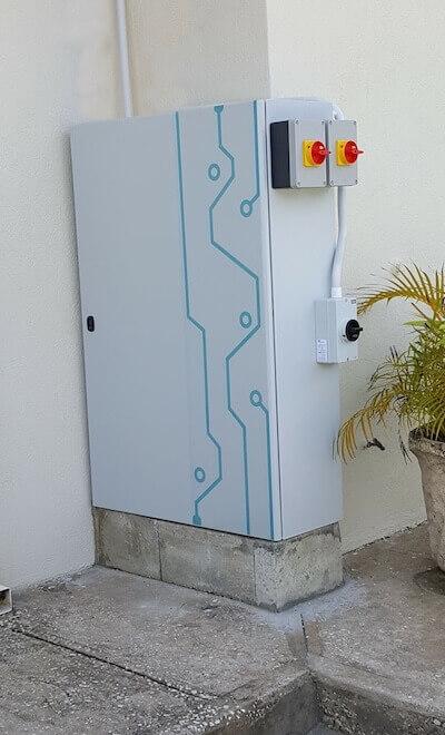 aceleron offen solar storage unit
