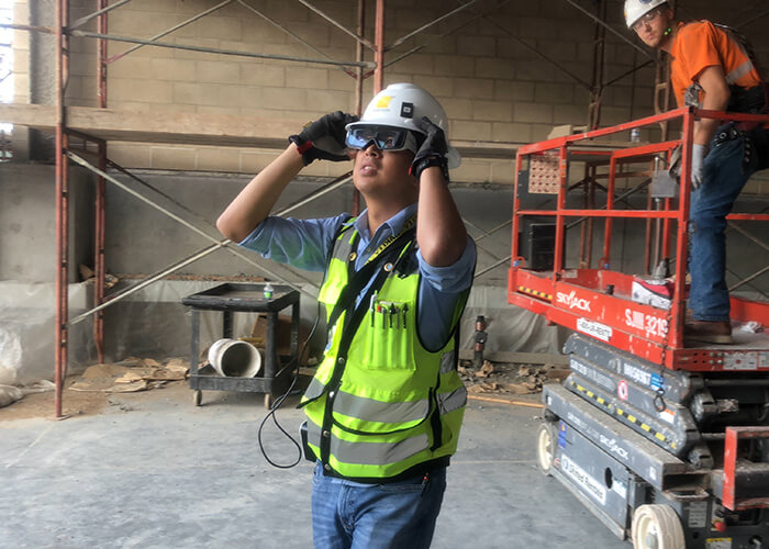 smart glasses for construction daqri