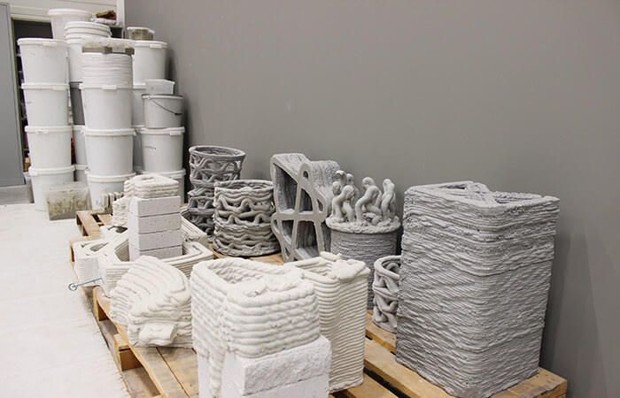 digital construction technology piles of concrete for additive manufacturing