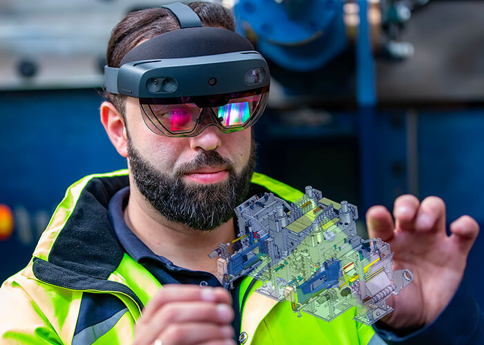 HoloLens data glasses allow remote maintenance and remote commissioning of systems.