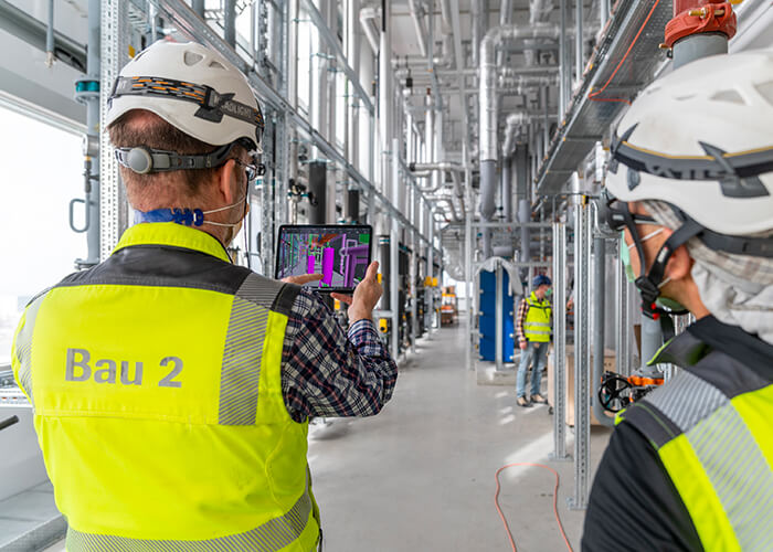 The digital twin is used during every phase of the project. Everyone on the construction site has access to the 3D target model via tablet and Autodesk BIM 360 software.