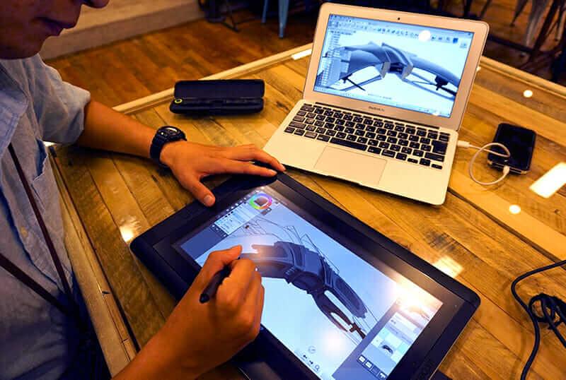 Designarbeit bei DMM.make AKIBA. Mit freundlicher Genehmigung von Team ROK.