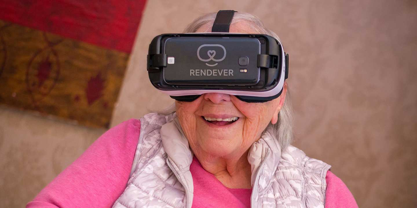 A patient tries the Rendever virtual reality headset.