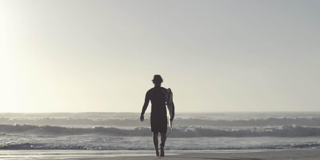 Lernen Sie das Unternehmen kennen, das mit umweltfreundlicheren Surfboards Wellen schlagen will