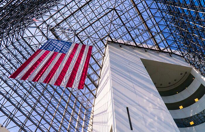 Das Atrium der Kennedy Library. Mit freundlicher Genehmigung des John F. Kennedy Presidential Library and Museum.