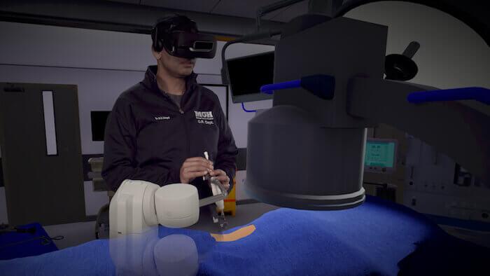 Urologe und Mitgründer von Marion Surgical Dr. Rajiv Singal als Teil der VR-Simulation. Mit freundlicher Genehmigung von Marion Surgical.