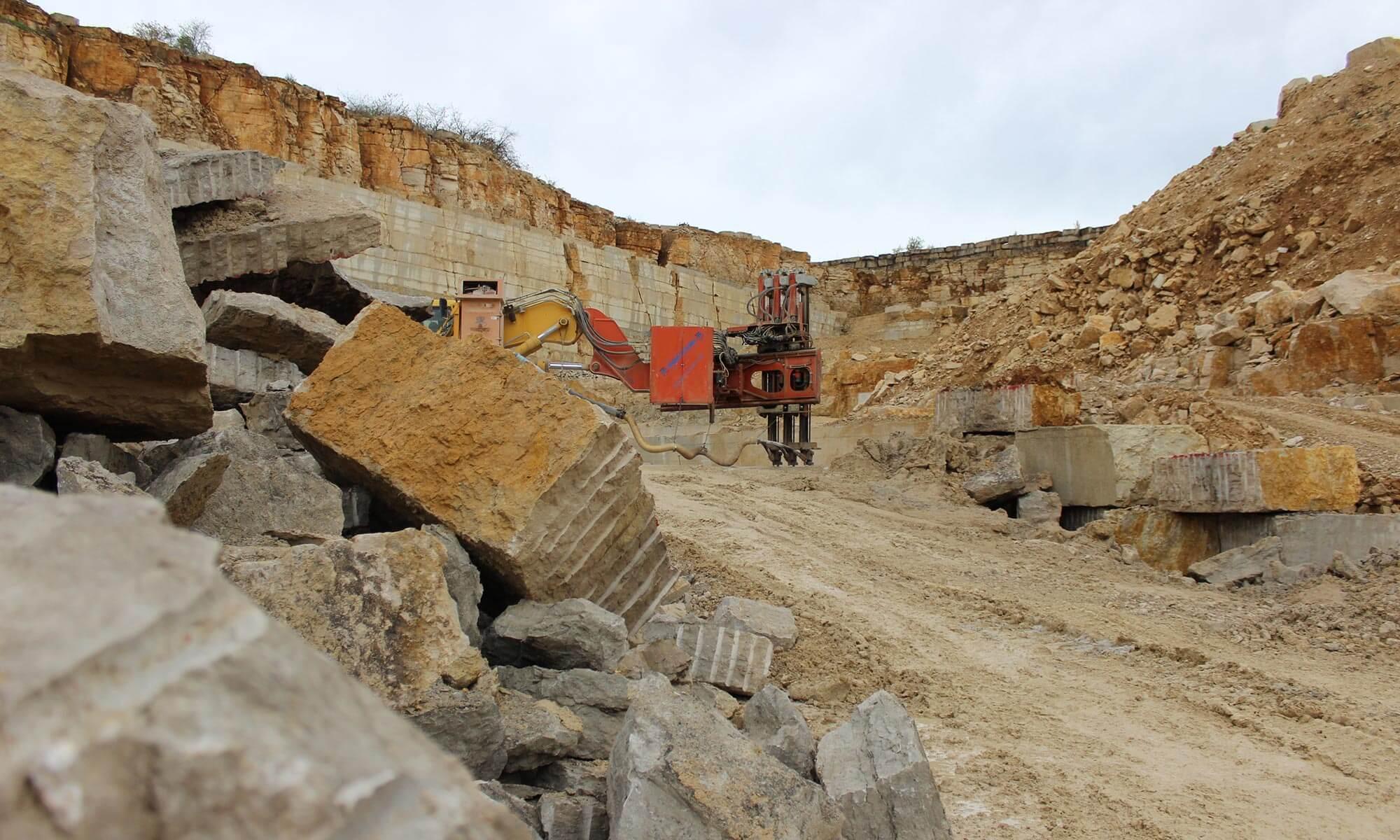 Im bayerischen Altmühltal wird er abgebaut: einer der härtesten Kalksteine der Welt. Credit: Friederike Voigt