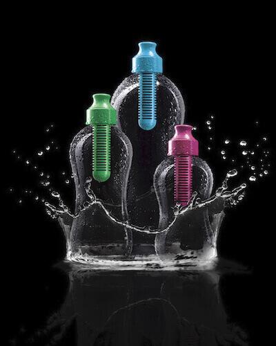 """Die Wasserflasche """"Bobble"""", ausgestattet mit einem austauschbaren Aktivkohlefilter. Mit freundlicher Genehmigung von Karim Rashid."""