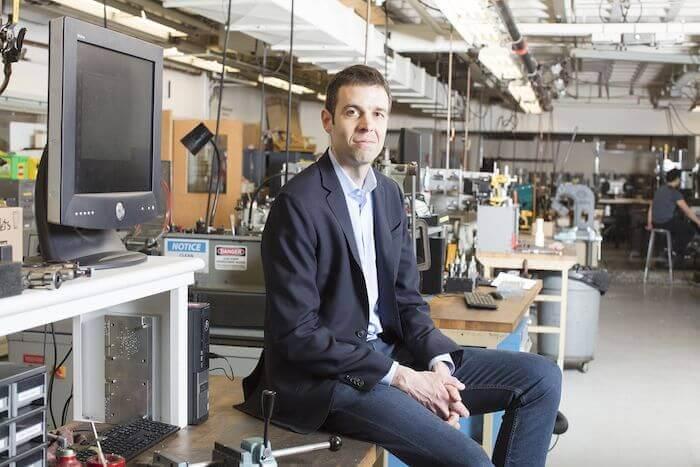 Dr. A.John Hart ist Professor für Maschinenbau am MIT zum Fachkräftemangel im Maschinenbau