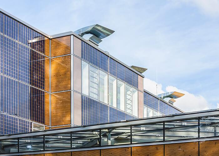 Eine Möglichkeit für nachhaltige Gebäude: Energiewände mitSolarzellen