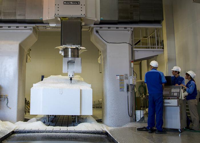 Industrie 4.0: Damit sie für die Produktion der Zukunft gerüstet sind, müssen viele Fertigungsmitarbeiter gezielt Kompetenzen erwerben.