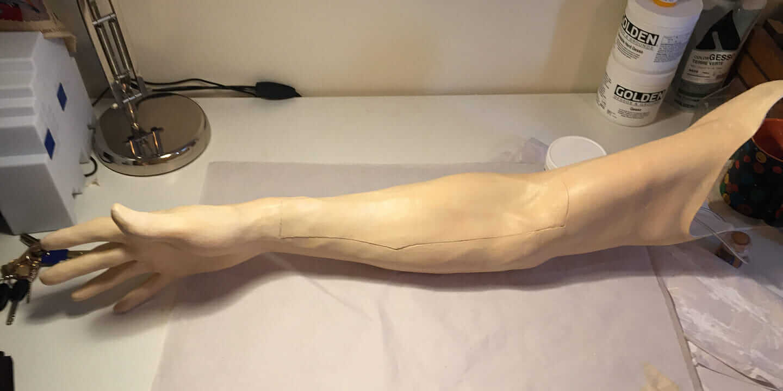 Escobar Technologies の腕静脈シミュレータ