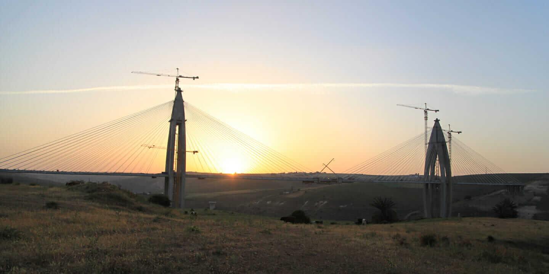 アフリカ最長の斜張橋を支えたプロジェクト リスク管理