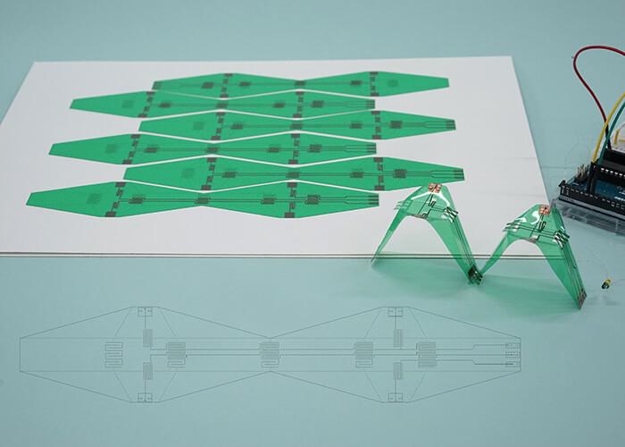 フレキシブルプリント基板シートを用いた折り紙ロボット