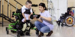 脳性麻痺の子供たちの歩行を補助する Trexo Robotics の新たなデバイス