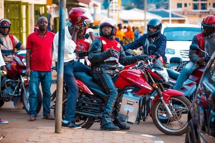 電動バイク ampersand ルワンダ