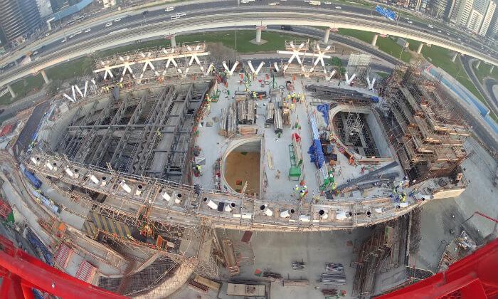 ドバイ 未来博物館 建設中