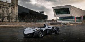 公道仕様の BAC Mono レーシングカーがジェネレーティブ デザインで未来へと加速