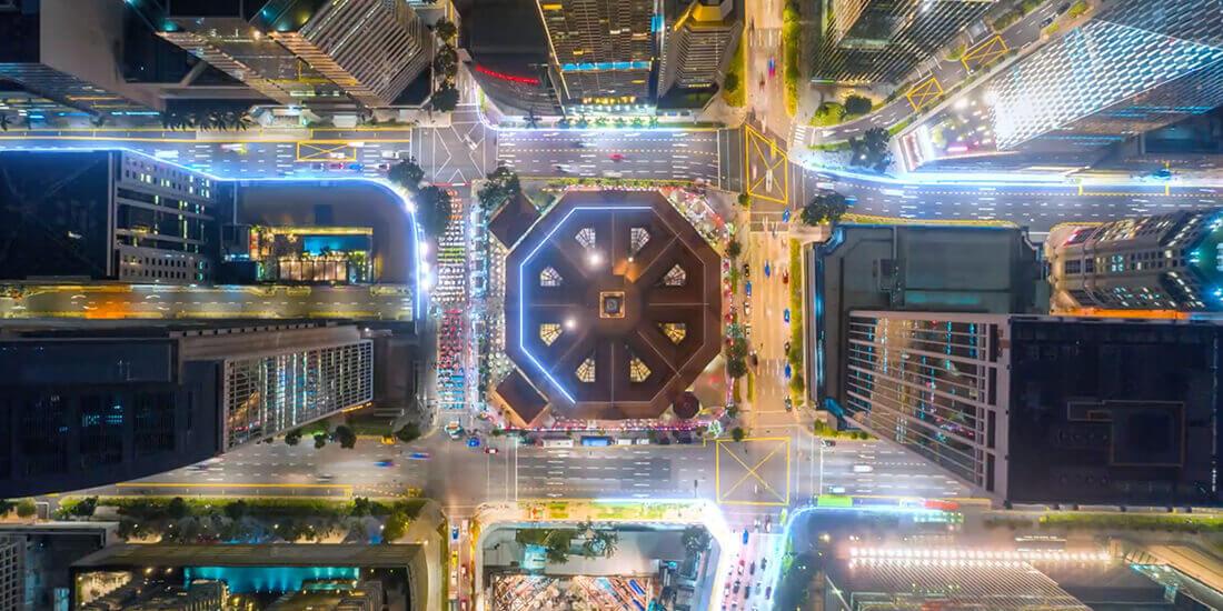 デジタル ツインとは建造アセットや都市のダイナミックな情報モデルです。