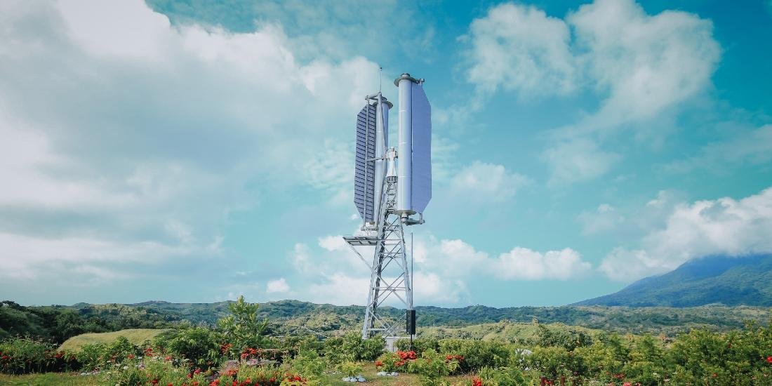 フィリピン共和国バタネス州で本格稼働を始めたチャレナジーのマグナス風車初号機