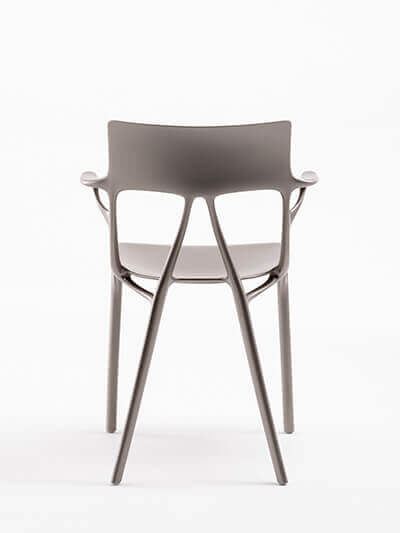 Chaise Kartell A.I par Philippe Starck
