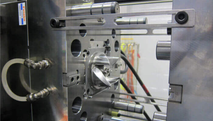 Injection plastique chez Panasonic : le moule conçu de manière générative a été fabriqué, coulé et analysé
