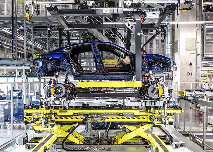 Fabrication de voiture électrique : Porsche Taycan