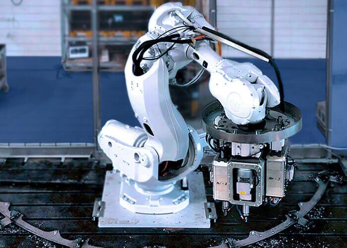 Chaque robot est à même de tripler la productivité interne des entreprises spécialisées dans la production en petite série.