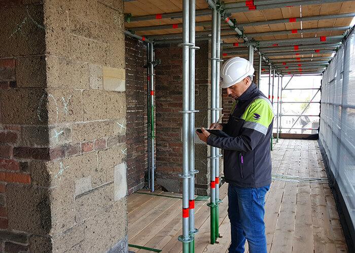 Conservation du patrimoine: Il a fallu six mois pour construire l'échafaudage de 39 niveaux qui entoure désormais la Domtoren.