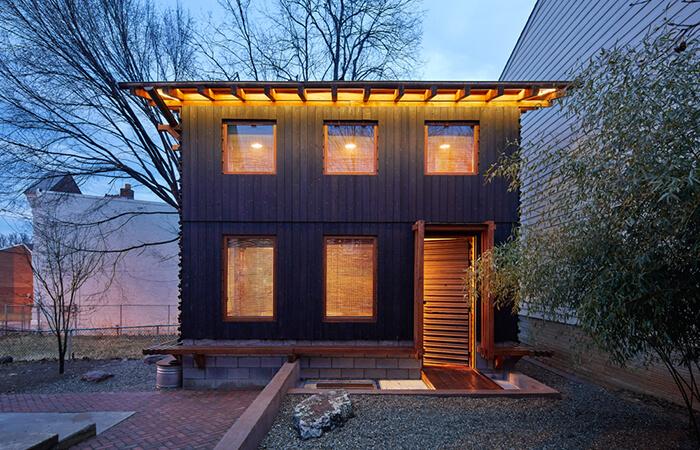 Le bureau de Becker Linn Design, surnommé The Grass House.
