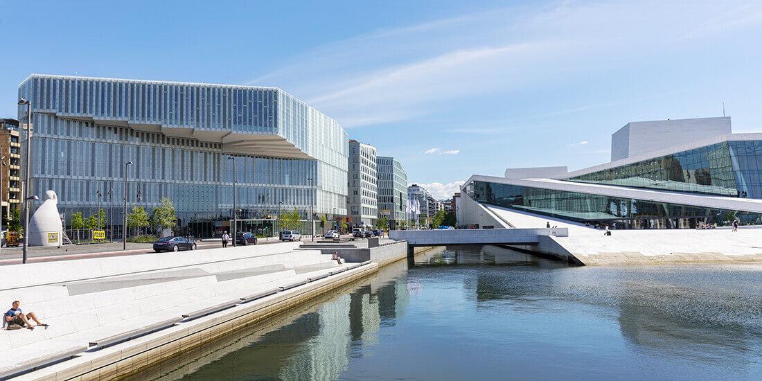Le quartier historique de Bjørvika à Oslo connaît une transformation majeure et ses infrastructures portuaires sur berges vont donner naissance à un complexe de nouveaux bâtiments consacrés à l'art et à la culture.