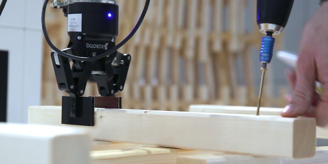 Realtà aumentata e braccio robotico per rimettere in piedi l'edilizia