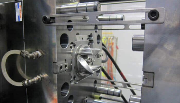 enjeksiyon kalıplama soğutma makine