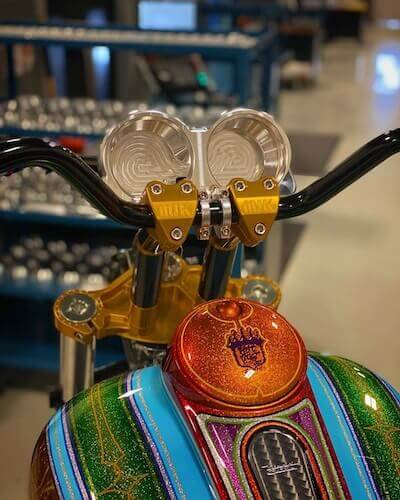 özel yapım harley yedek parçaları MJK Performance Ultra Light Upper Triple Clamp altın renkli